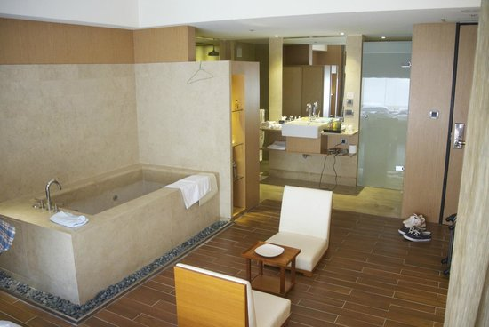 City Suites Taipei Nanxi: 部屋の中にあるバス
