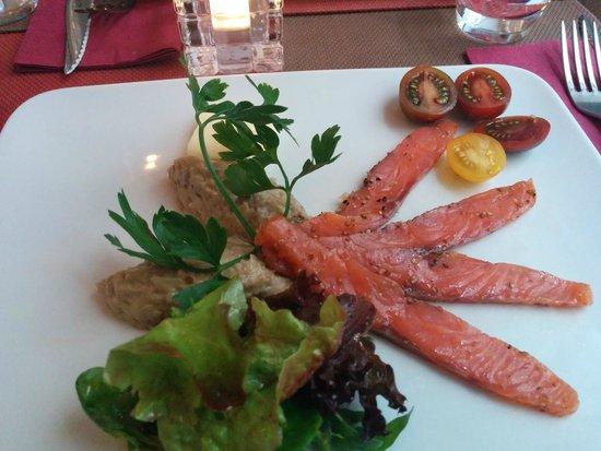L'Ange 20 Restaurant : Smoked Salmon Starter