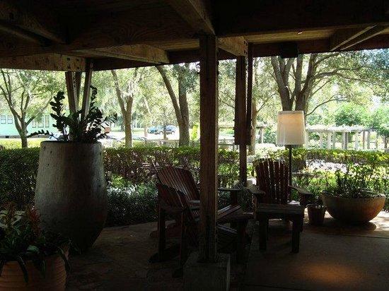 Hillstone Restaurant: varanda do restaurante