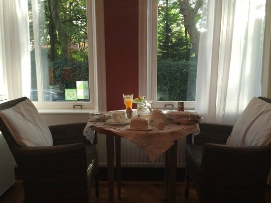 Vondel View B&B: Private breakfast..