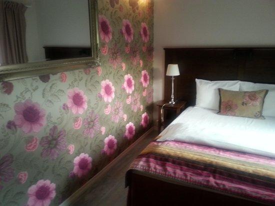 Park Hotel: Feminine Room