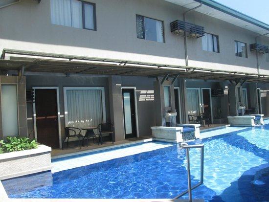 Circle Inn - Hotel & Suites: Nice Pool