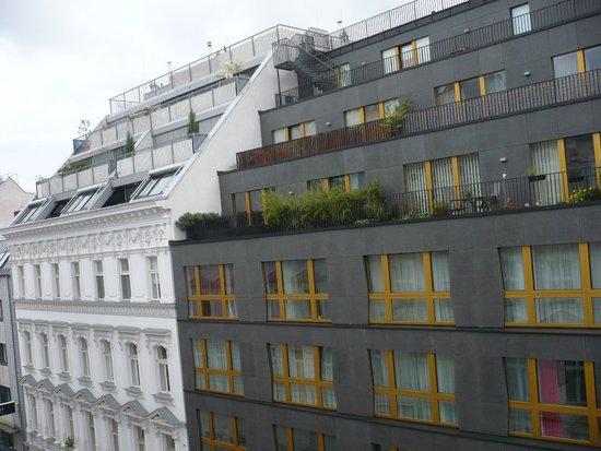 Savoy Hotel Vienna: Вид из окна номера