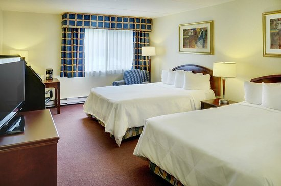 Travelodge Ottawa East : Guestroom with two double beds