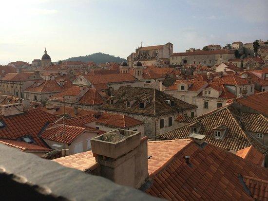 Hotel Stari Grad: ホテルの朝食時、屋上からの眺め