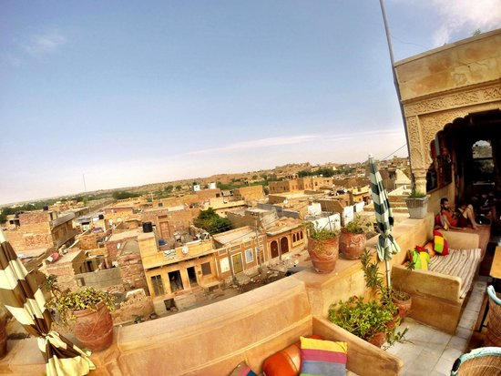 Hotel Pol Haveli : View from the roof