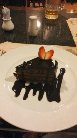 Le Cafe de la Poste : Chocolate Cake