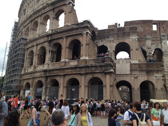 Rome Driving Tours : Rome Colosseum
