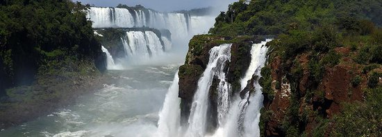 Vista panorámica desde Isla San Martín. Parque Nacional Iguazú