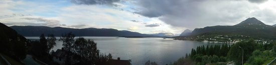 Magic Mountain Lodge: Panorama sul LyngenFjord