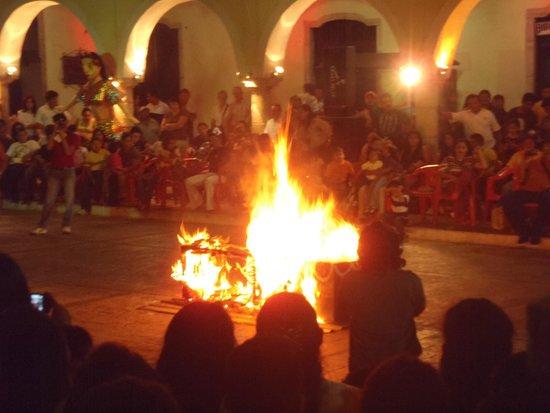 Plaza e Parque Francisco Canton: Carnaval 2013 - Burning of Juan Carnaval (Closing Ceremony)