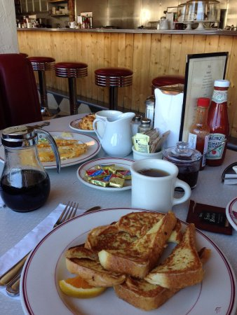 Sugar Pine Cafe: French toasts!!!