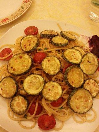 Spaghetteria l'Oasi: Spaghetti bottarga e zucchine