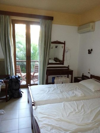 Hotel Molyvos 1: The beds