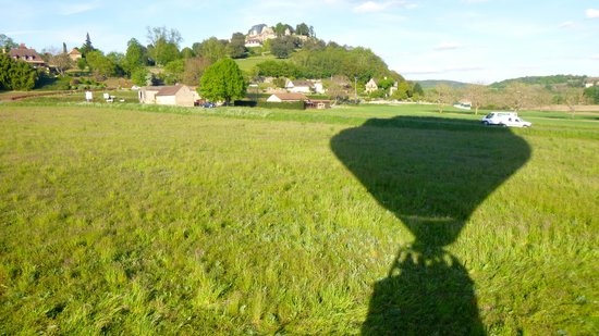 Perigord Dordogne Montgolfieres: Lift off