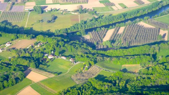 Perigord Dordogne Montgolfieres: now seen from above
