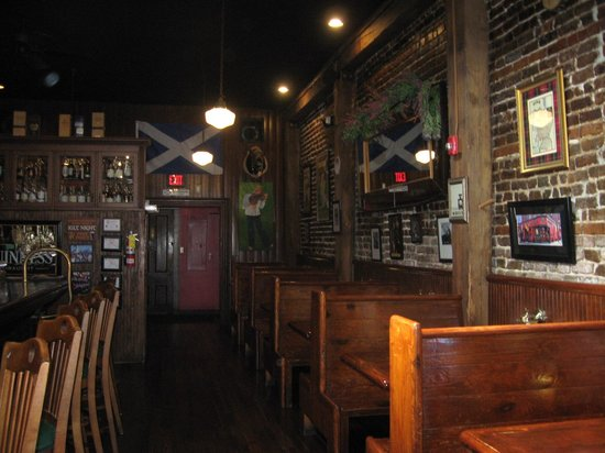 Boyd's Jig and Reel: Indoor seating and bar