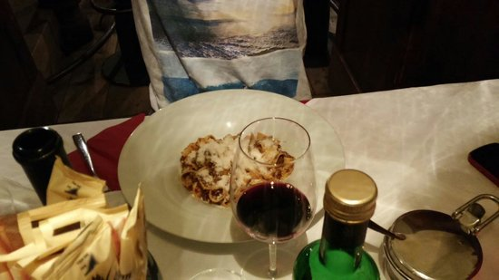 Weisses Lamm Agnello Bianco: Pappardelle al ragú di cervo