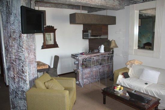 Stasea Apartments: Кухня, бар