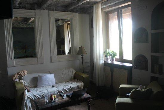 Stasea Apartments: Гостиная