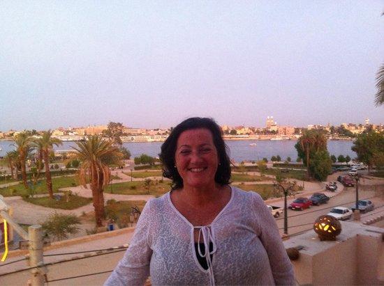 Africa Restaurant : Visual do terraço do restaurante Ãfrica ( Luxor, Egito), com o rio Nilo ao fundo.