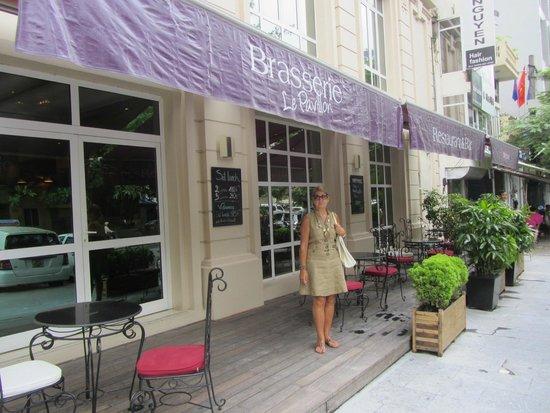 Mercure Hanoi La Gare Hotel : Terraza del restaurante