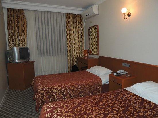 Yaztur Hotel : двухместный номер