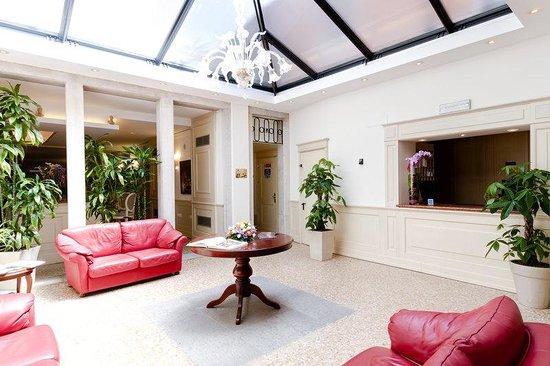 Bella Venezia: Lobby