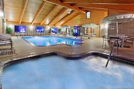 AmericInn Lodge & Suites Bemidji: Pool