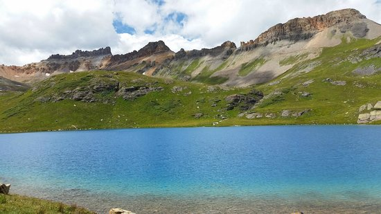 Ice Lakes Trail: Beautiful Ice Lake