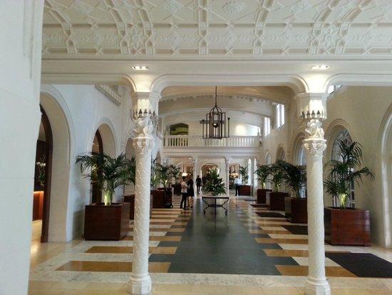 Boca Raton Resort, A Waldorf Astoria Resort: Front Lobby