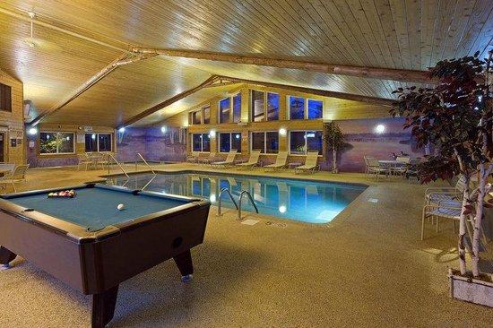 AmericInn Lodge & Suites Pequot Lakes: Pool