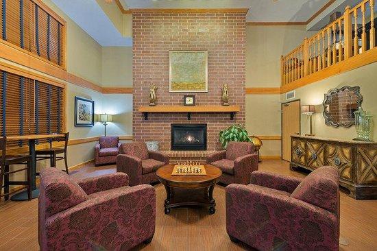 AmericInn Lodge & Suites Madison South: Interior