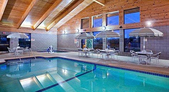 AmericInn Lodge & Suites Park Rapids : Pool