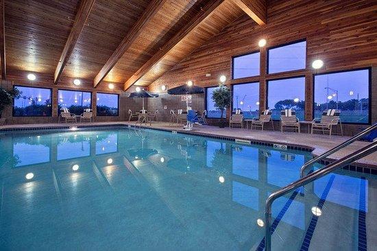 Americinn Lodge Suites Fort Dodge Americ Inn Pool