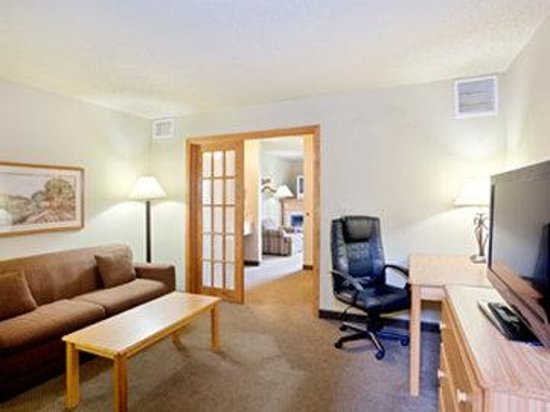 Photo of AmericInn Lodge & Suites Hesston