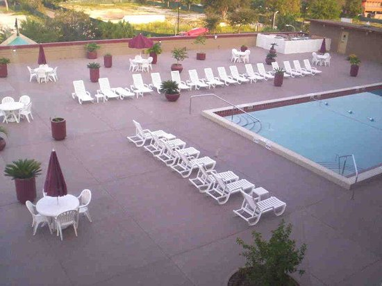 Holiday Inn Gainesville University Center: Swimming Pool