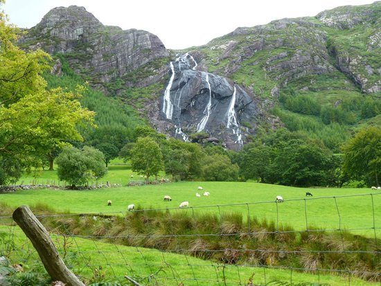 Gleninchaquin Park: View from parking lot