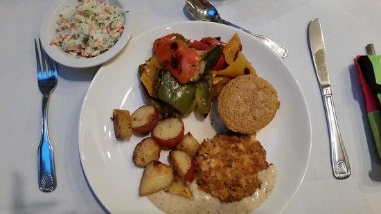 Pritikin Longevity Center & Spa: Crab cake & corn bread, delicious!