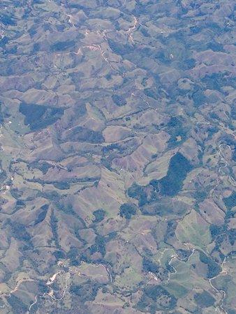Hostal Poblado Park: Panorámica desde el avión a la llegada a Medellin agosto 15/2014