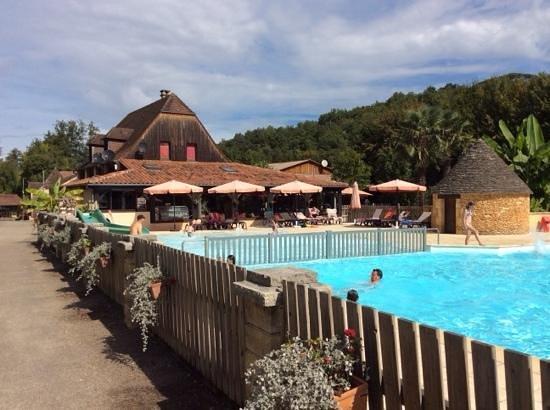Piscine avec le bar picture of camping le moulin du - Camping corse avec piscine ...