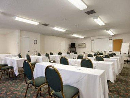 Travelodge Kingston LaSalle Hotel: Meeting Room