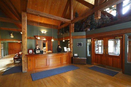 Buffalo Mountain Lodge: Front Desk