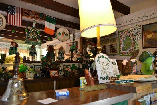 Claddagh Motel & Suites: Recepción a la irlandesa