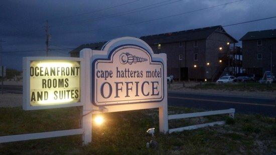 Cape Hatteras Motel: Motel Sign