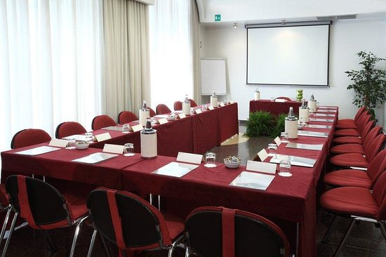 Hotel Sanpi Milano: Venezia Meeting Room U-Shape