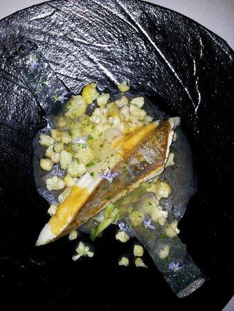 Andreu Genestra Restaurant: St Peter's Fisch with coliflower