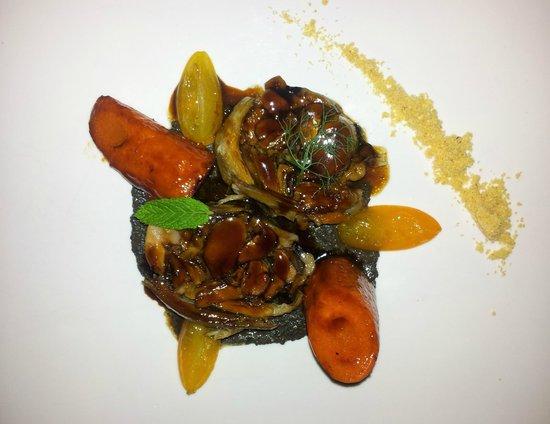 Andreu Genestra Restaurant: The main course - tasty lamb and fresh vegetables