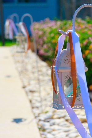 Pernera Beach Hotel: Beautiful decorations supplied by the hotel