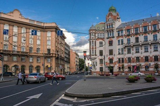 Kamennoostrovskiy Prospekt: Каменноостровский проспeкт, Австрийская площадь.